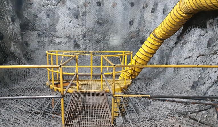 Nuevo Proyecto de Escaleras Refuerza la Seguridad al Interior de Mina Sauce