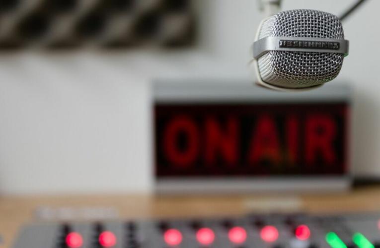 Minera Las Cenizas Difunde Mensajes en HE Radio de Cabildo